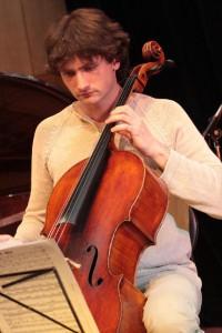 Петр Кондрашин (виолончель)